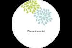 Fleurs bleues et vertes Étiquettes arrondies - gabarit prédéfini. <br/>Utilisez notre logiciel Avery Design & Print Online pour personnaliser facilement la conception.