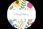Cœurs et fleurs Étiquettes arrondies - gabarit prédéfini. <br/>Utilisez notre logiciel Avery Design & Print Online pour personnaliser facilement la conception.
