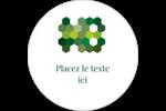 Hexagones verts Étiquettes rondes gaufrées - gabarit prédéfini. <br/>Utilisez notre logiciel Avery Design & Print Online pour personnaliser facilement la conception.