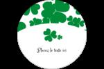 Arrière-plan de trèfles de la Saint-Patrick Étiquettes rondes - gabarit prédéfini. <br/>Utilisez notre logiciel Avery Design & Print Online pour personnaliser facilement la conception.