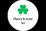 Pluie de trèfles de la Saint-Patrick Étiquettes rondes gaufrées - gabarit prédéfini. <br/>Utilisez notre logiciel Avery Design & Print Online pour personnaliser facilement la conception.