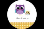 Bébé hibou Étiquettes rondes gaufrées - gabarit prédéfini. <br/>Utilisez notre logiciel Avery Design & Print Online pour personnaliser facilement la conception.